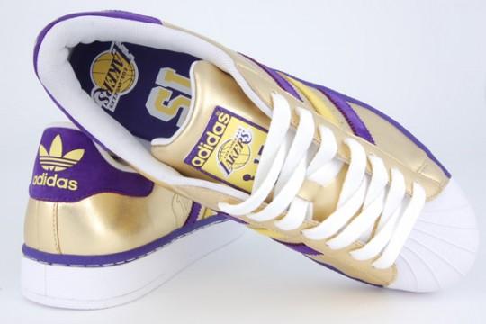 Adidas-Originals-LA-Lakers-Superstar-04-540x360