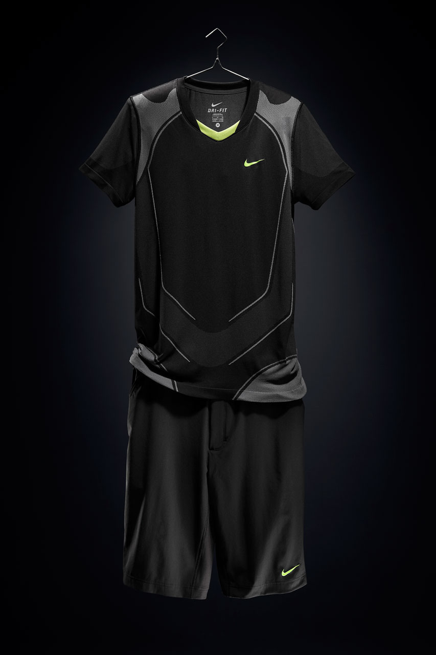 Rafael_Nadal_2010_US_Open_outfit_04